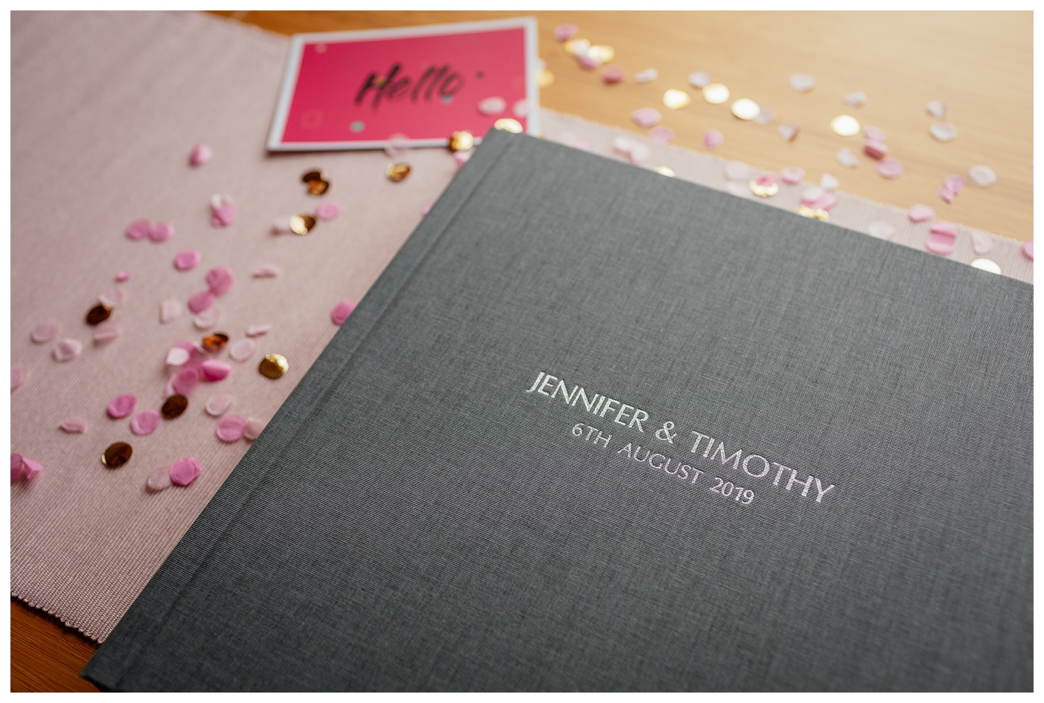 luxury photo albums for wedding images by Fotomaki Photography with linen cover example
