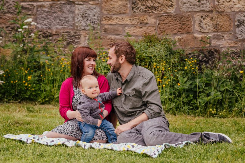 family photoshoot in pollok park Glasgow mum dad toddler smiling