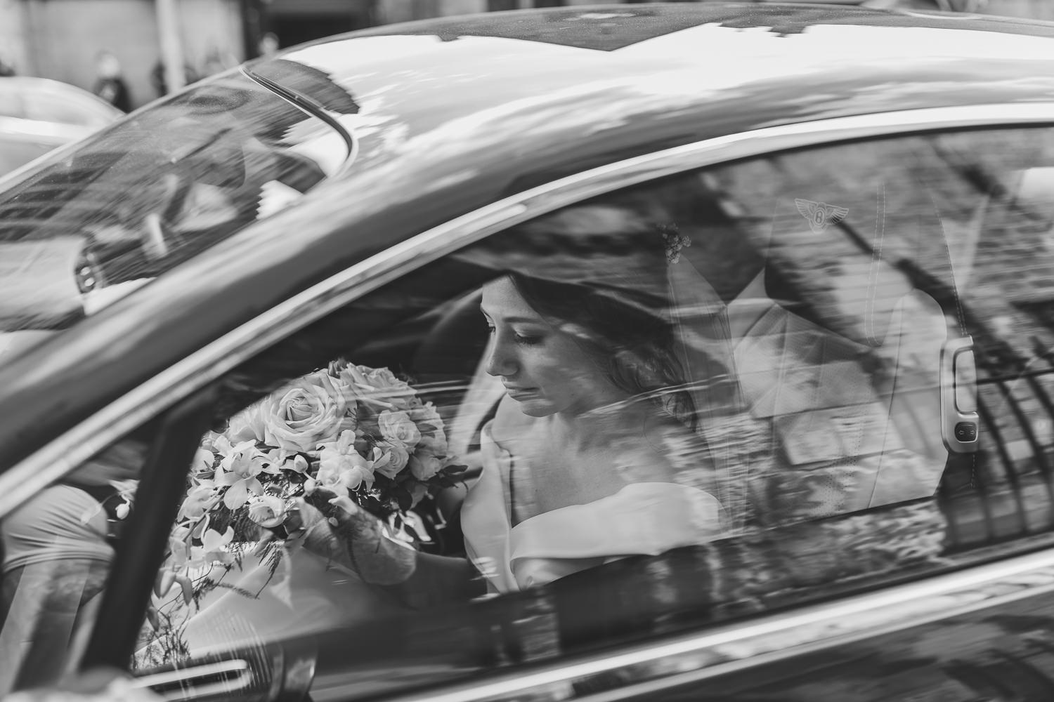 St Andrews Wedding Photos St Salvators Chapel Wedding Ceremony Bride Arriving