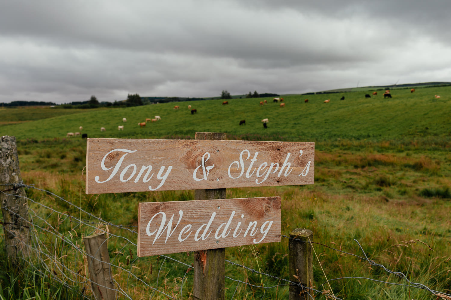aberdeenshire farm wedding signposts
