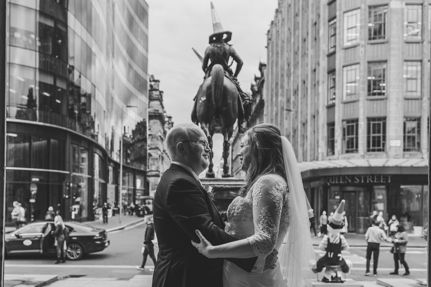 bride groom glasgow city centre wedding portraits photos goma duke of wellington