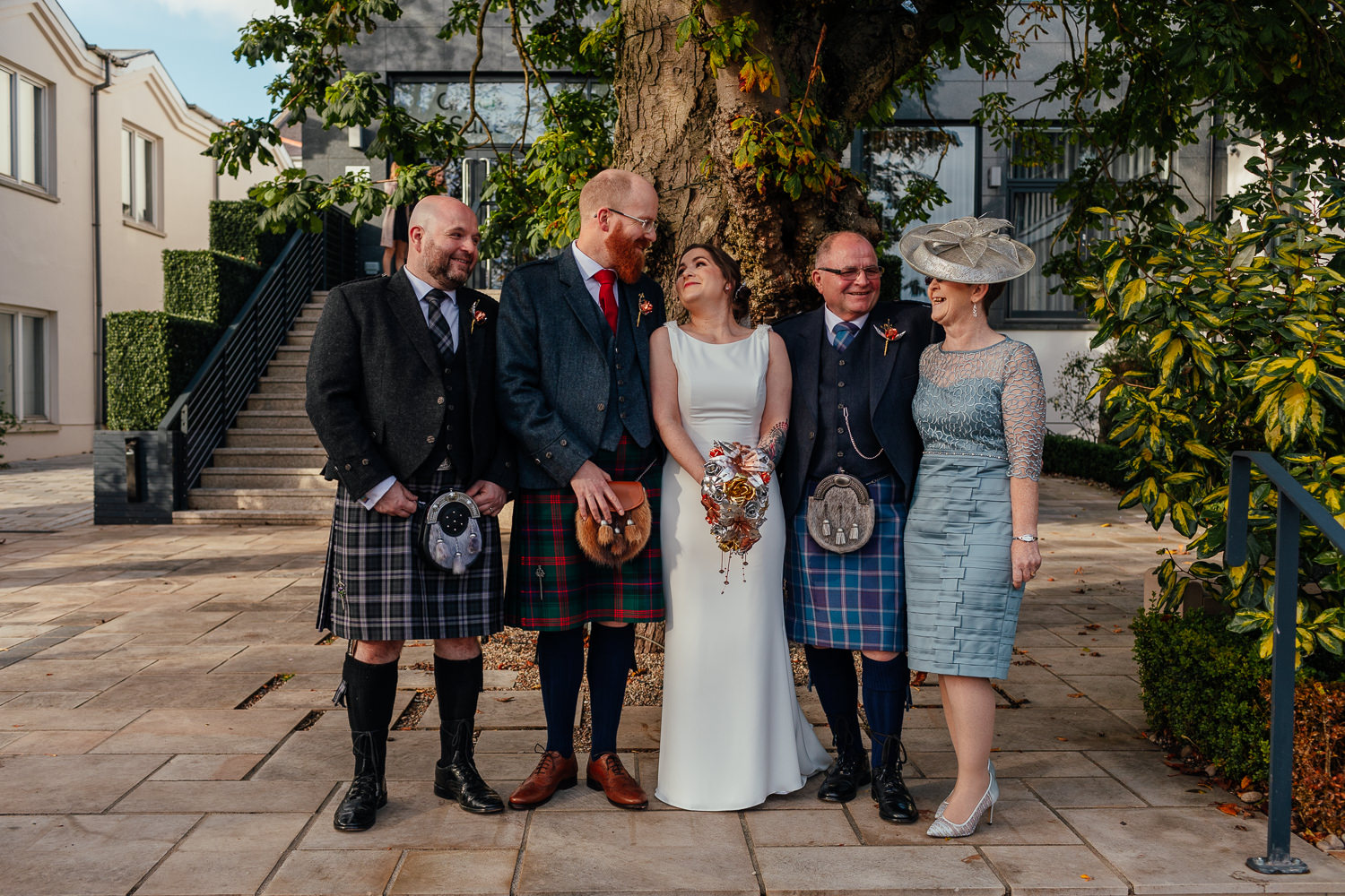 chester hotel wedding aberdeen outdoor family photos courtyard