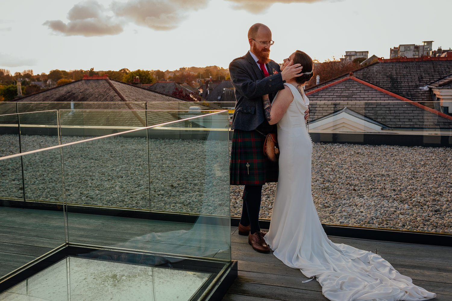 Chester Hotel Wedding Aberdeen Autumn Colours Bride Groom portrait Photo rooftop sunset